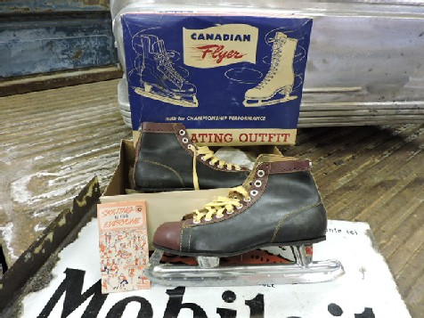 1956 Canadian flyer mens hockey ice skates