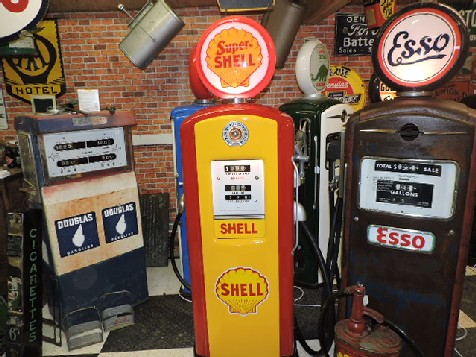 1940s Bennett gas-petrol pump Shell themed