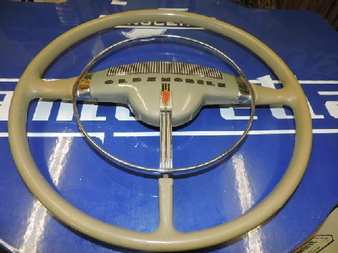 Original Oldsmobile 18 inch steering wheel
