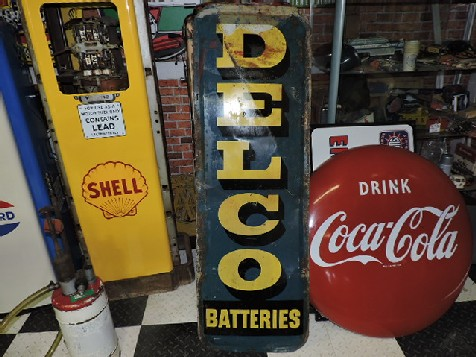 Delco batteries tin sign