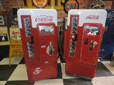 Cavalier CS-72 Coca Cola vending machine