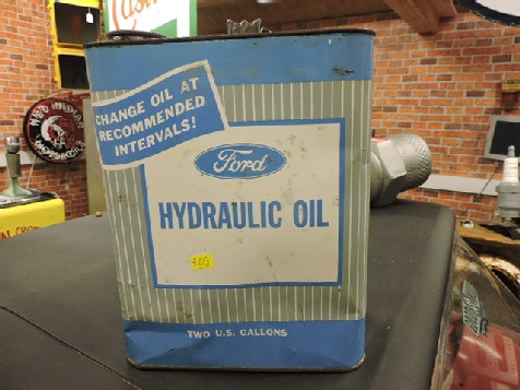 Ford 2 gallon hydraulic oil can