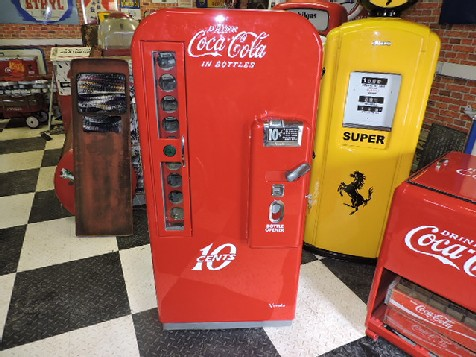 Restored Coca Cola Vendo 81a machine