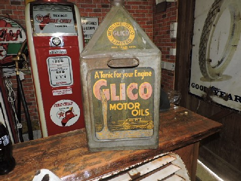Early Glico pyramid oil can
