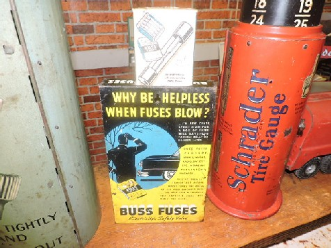 Buss fuse counter display fuse holder