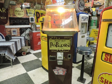 1940s original popcorn machine