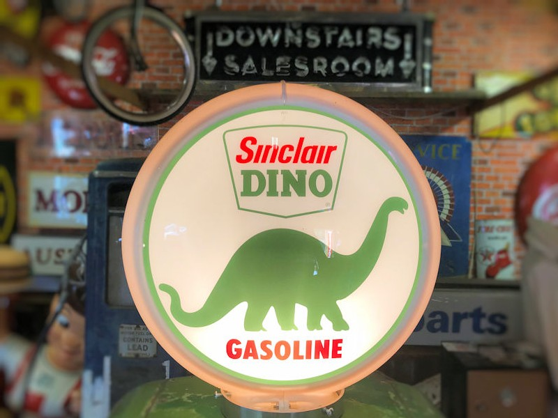 Sinclair Dino themed Gilbarco 900 series gas/petrol pump