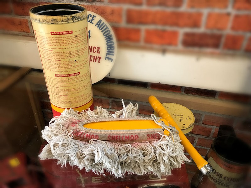 All original Shell mop polisher and tin