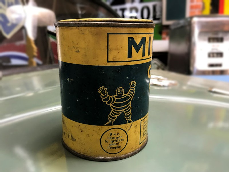Early Michelin Typhus grease tin