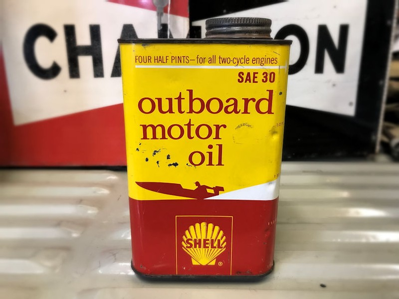 Vintage Shell outboard motor oil can
