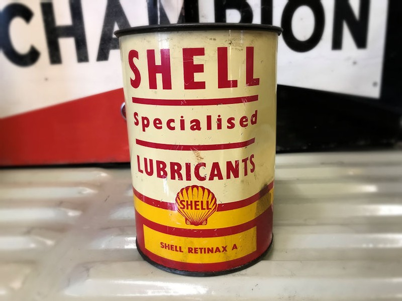 Vintage Shell oil tin