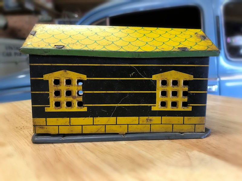 1930s tin LMH Aero gas station toy