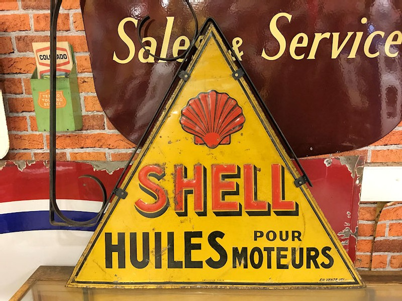 Circa 1930s rare French triangle shaped embossed tin Shell sign