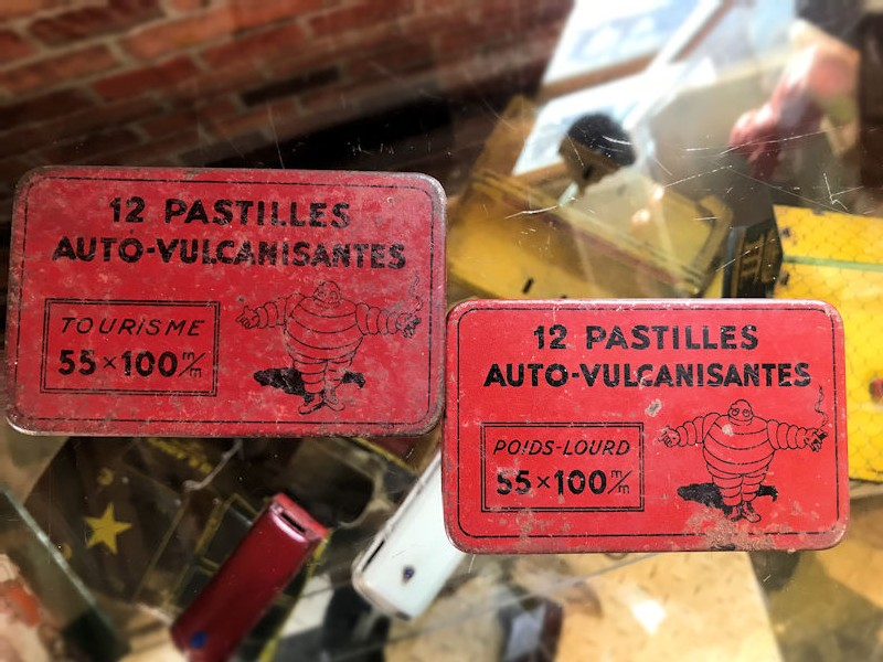 1930s Michelin tire/tyre auto-vulcanisantes Pacite and Prediction patches tins